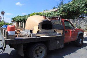 ピザ釜ごとトラックでやってきたっっ!